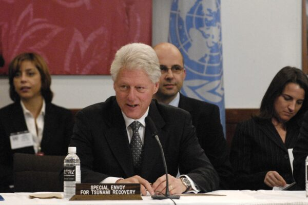Bill Clinton Tsunami Recovery UNICEF