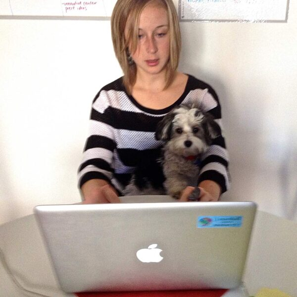 GG & Marie on the Laptop